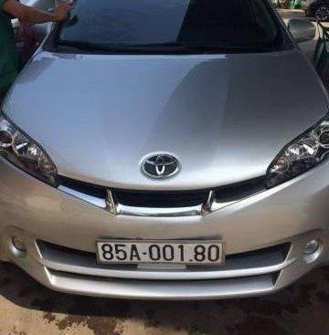 Bán ô tô Toyota Wish đời 2011, màu bạc, nhập khẩu chính chủ, 650 triệu