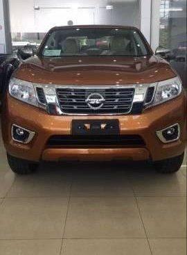Bán xe Nissan Navara EL sản xuất 2017, màu cam