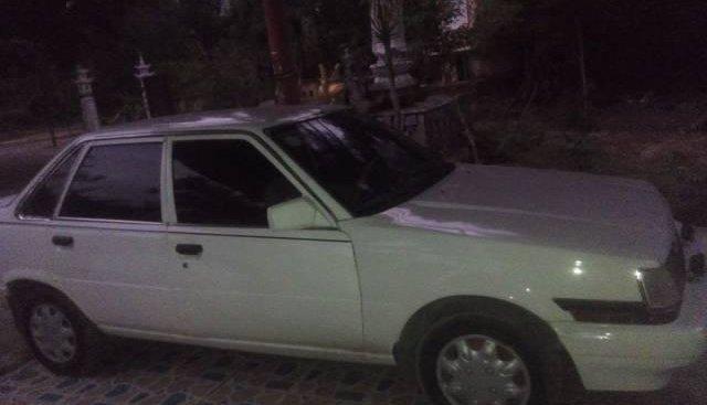 Cần bán Toyota Corolla altis đời 1984, màu trắng