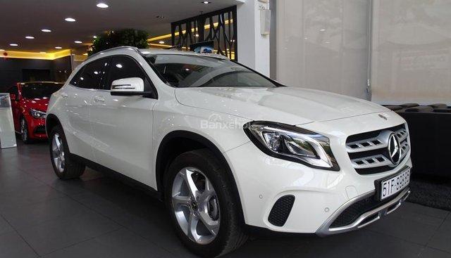 Bán Mercedes Benz GLA 200 New 2019 - Xe SUV nhập khẩu 5 chỗ cao cấp - Hỗ trợ Bank 80% - LH: 0919 528 520