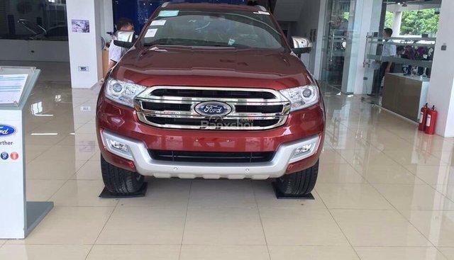 Cần bán Ford Everest 2018 (số tự động, xe cao cấp). Giá xe chưa giảm, gọi Mr. Đạt nhận giá xe Ford rẻ nhất: 093.114.2545