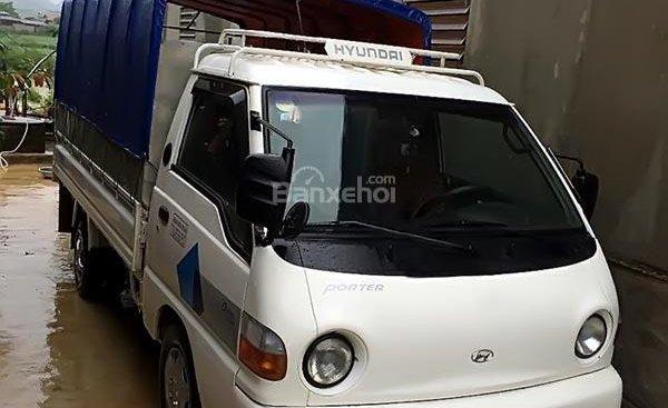 Cần bán Hyundai Porter đời 2000, màu trắng, xe nhập, 135 triệu
