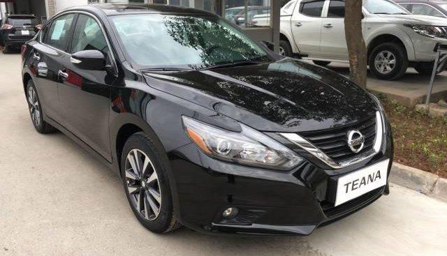 Cần bán gấp Nissan Teana sản xuất năm 2017, màu đen, nhập khẩu nguyên chiếc
