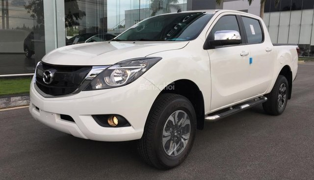 Bán tải Mazda BT-50 2.2 AT Facelift, giá tốt nhất Hà Nội - Hotline: 0973.560.137