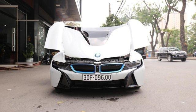 Bán BMW i8 bản full 2015, màu trắng, nhập khẩu
