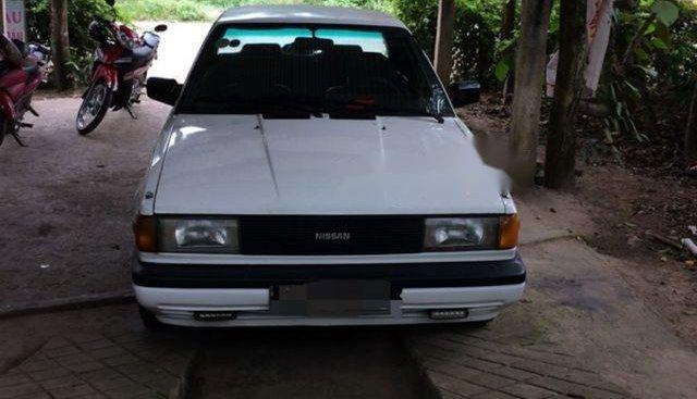 Bán Nissan Sunny sản xuất năm 1990, màu trắng, giá chỉ 40 triệu