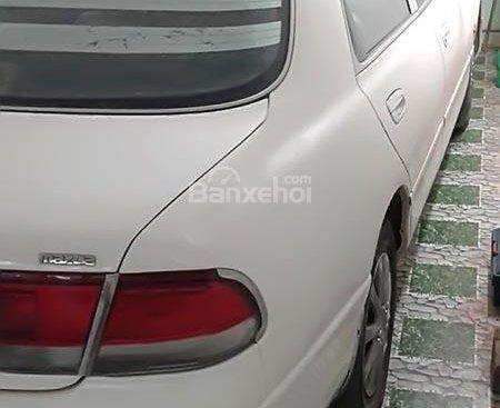 Bán Mazda 626 năm sản xuất 1994, màu trắng, nhập khẩu