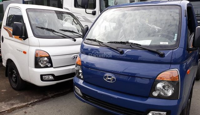 Bán Hyundai Porter mui bạt inox, tải 1.5 tấn, đời 2018, màu xanh lam, nhập khẩu