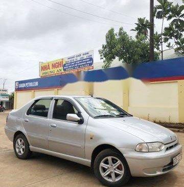 Cần bán xe Fiat Siena đời 2003, màu bạc chính chủ, giá chỉ 100 triệu