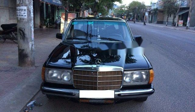 Cần bán lại xe Mercedes năm sản xuất 1998, màu đen, giá tốt