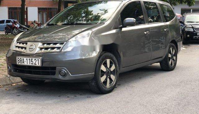 Cần bán gấp Nissan Grand Livina MT 2011, màu xám
