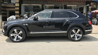 Bán Bentley Bentayga Edition sản xuất năm 2018, màu đen, nhập khẩu