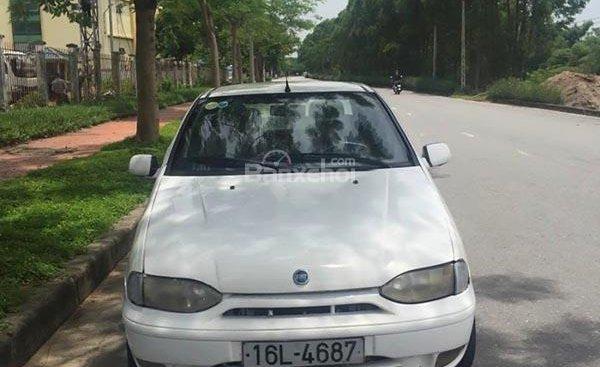 Cần bán xe Fiat Siena 1.6 năm sản xuất 2003, màu trắng giá cạnh tranh
