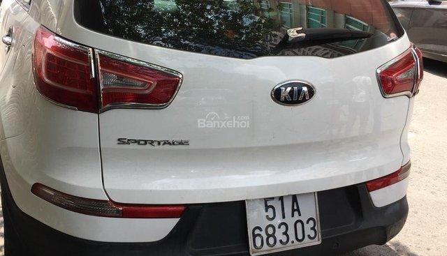Bán Kia Sportage 2.0AT màu trắng, số tự động, nhập Hàn Quốc 2013. Biển Sài Gòn
