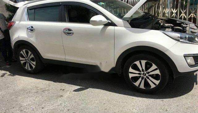 Bán xe Kia Sportage 2.0AT 2013, màu trắng số tự động, giá 666tr