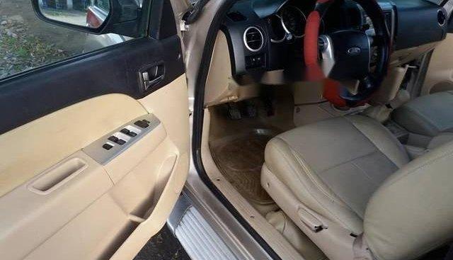 Tôi cần bán xe Ford Everest đăng ký tháng 01/2009
