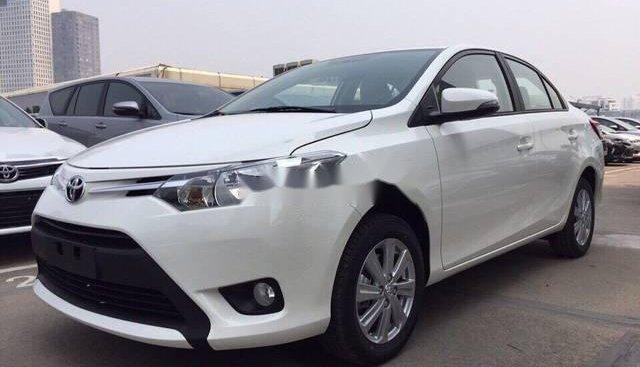 Cần bán xe Toyota Vios 1.5E MT đời 2018, màu trắng