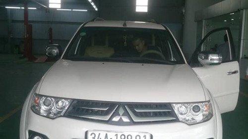 Gia đình bán Mitsubishi Pajero Sport năm 2017, màu trắng