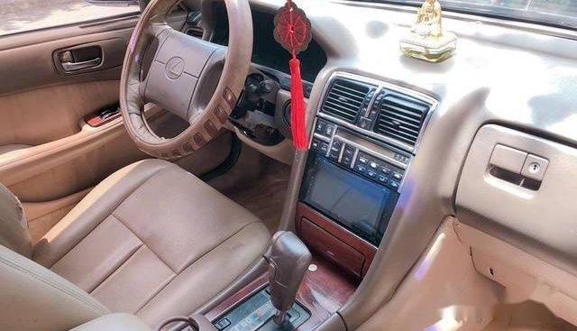Cần bán gấp Lexus LS năm 1992, màu đen chính chủ, 150 triệu