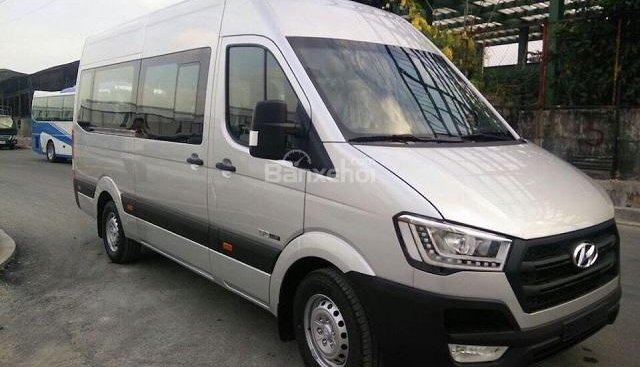 Bán ô tô Hyundai Solati- xe du lịch 16 chỗ đời 2018, màu trắng, nhập khẩu