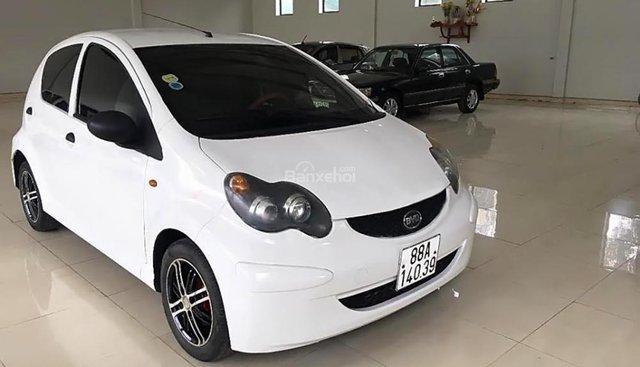 Cần bán BYD F0 1.0 MT đời 2011, màu trắng, nhập khẩu chính chủ