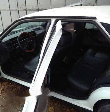 Cần bán lại xe Fiat Tempra năm sản xuất 2000, màu trắng, giá tốt