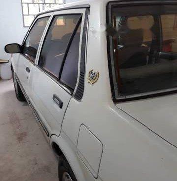 Cần bán Toyota Corolla sản xuất 1985, màu trắng