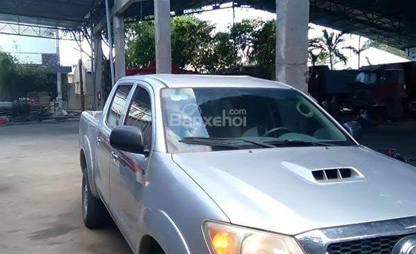 Cần bán xe Toyota Hilux 3.0G 4x4 MT sản xuất năm 2009, màu bạc, xe nhập