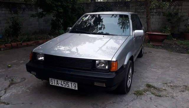 Bán xe Toyota Corolla đời 1985, màu bạc chính chủ