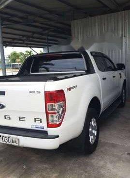 Cần bán lại xe Ford Ranger 2.2MT sản xuất năm 2016, màu trắng còn mới giá cạnh tranh