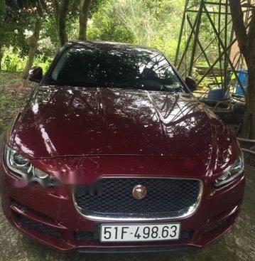 Cần bán lại xe Jaguar XE đời 2015, màu đỏ
