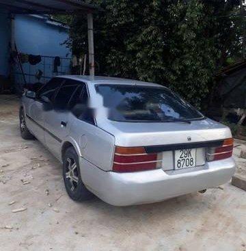 Bán Mazda 626 đời 1990, màu bạc, 32tr
