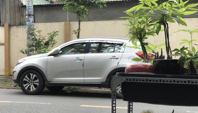 Cần bán xe Kia Sportage 2.0 AT sản xuất năm 2013, màu bạc, xe nhập