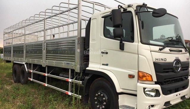 Bán ô tô Hino 15 tấn đời 2018, màu trắng model FL8Jw7a thùng bạt 9,4m