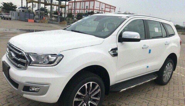 Bán Ford Everest Titanium đời 2018, màu trắng, xe nhập khẩu, hỗ trợ trả góp, LH 0941921742