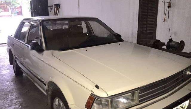 Bán ô tô Nissan Bluebird 2.5 năm 1986, màu trắng