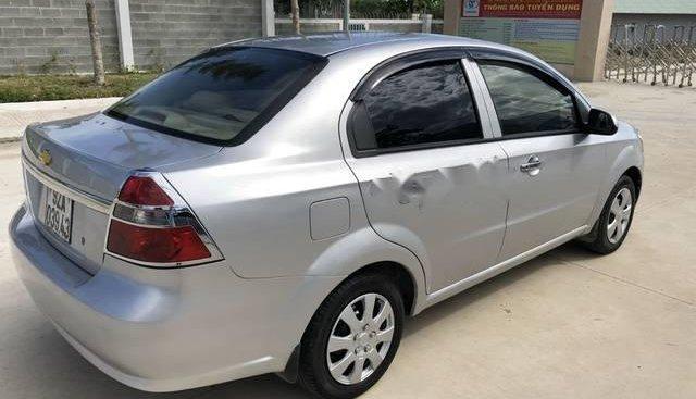 Cần bán xe Chevrolet Aveo năm 2012, màu bạc