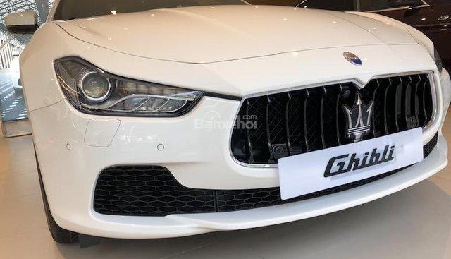 Bán xe Maserati Ghibli màu trắng, nhập khẩu, mới 100% từ Ý, chính hãng giá tốt nhất