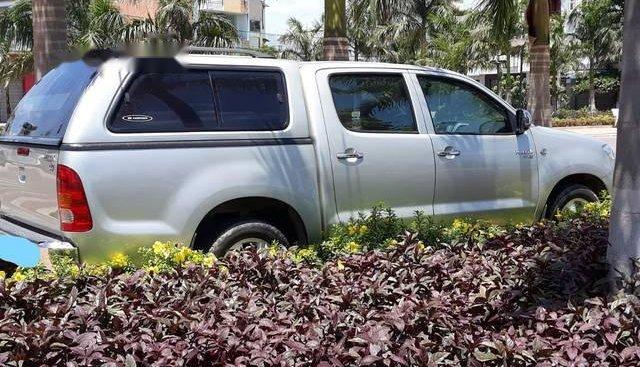 Bán Toyota Hilux đời 2010, màu bạc, nhập khẩu nguyên chiếc như mới