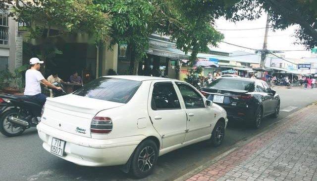 Bán ô tô Fiat Siena 1.3 đời 2003, màu trắng