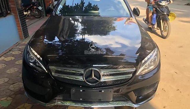Cần bán xe Mercedes C200 sản xuất 2015, màu đen số tự động