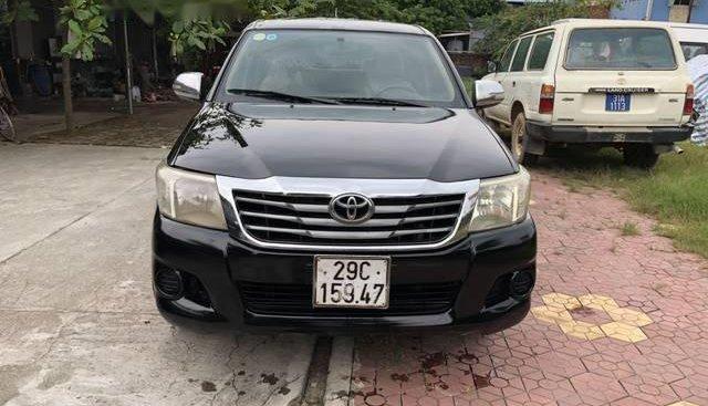 Bán Toyota Hilux 2012, màu đen như mới, giá chỉ 390 triệu