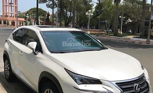 Cần bán lại xe Lexus NX 200t sản xuất 2016, màu trắng