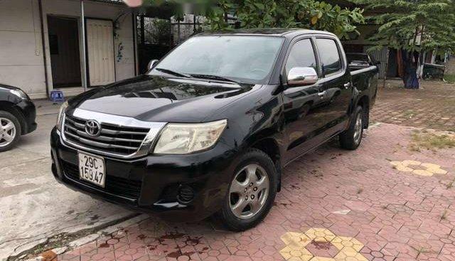 Bán xe Toyota Hilux sản xuất 2012, màu đen