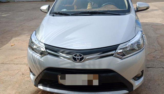 Bán Toyota Vios E 2017, màu bạc