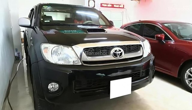 Cần bán Toyota Hilux 3.0G 4x4 MT sản xuất năm 2009, màu đen, nhập khẩu nguyên chiếc