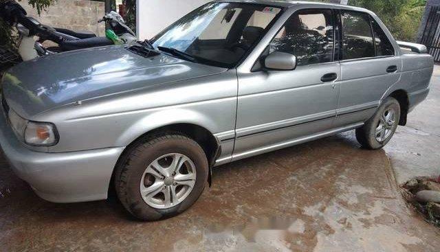 Bán ô tô Nissan Sunny sản xuất 1993, màu bạc
