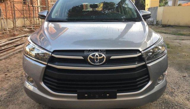 Bán xe Toyota Innova E sản xuất 2018, màu nâu giá cạnh tranh
