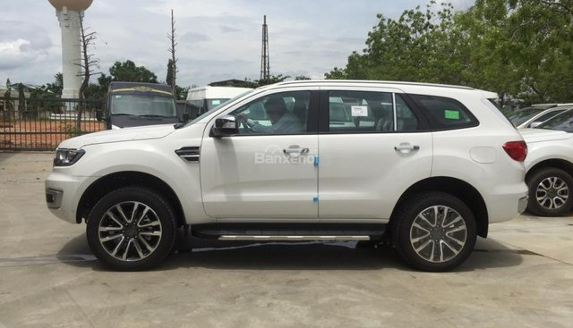 Lai Châu Ford bán Everest Titanium Tubor đơn 4x2 AT, giao tận nhà, hỗ trợ trả góp lên tới 90%. LH: 0987987588