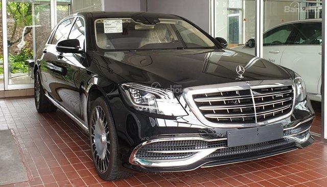 Bán Mercedes Maybach S560 hàng khủng, độc đáo đã về tới Showroom